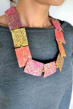 La Civetta Chiacchierina handmade Paper Jewels visto su http://www.creativinvista.it