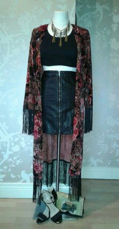 Dinner and drinks with the girls; floral kimono with fringe detail, black crop top, leather skirt, black strappy heels. Accessorise with vintage leather bag and pewter and dull gold chandelier necklace