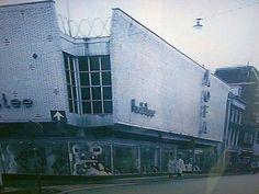 Hofstee / kofa. Wat een mooi groot warenhuis was dat, met een grote sortering nylonkousen. En nog veel meer.
