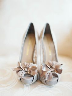 Grey shoes: http://www.stylemepretty.com/2014/10/07/glamorous-floral-wedding-in-marbella-spain/ | Photography: Sandoval Studios - http://www.sandovalstudios.com/