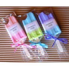 "Molde para hacer jabones ""Polo mordido"", perfecto para hacer jabon como detalles de boda, detalles de bautizo y detalles de comunión.  http://www.granvelada.com/es/molde/256-molde-silicona-polo.html"