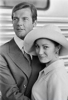 Roger Moore Jane Seymour Live and Let Die