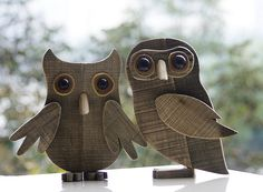 Large Wooden Owl Ornament for Home/Office/Bar Decoration