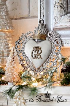 The Decorated House: ~ Christmas - White & Silver. Ex Voto - Mantel Decorations
