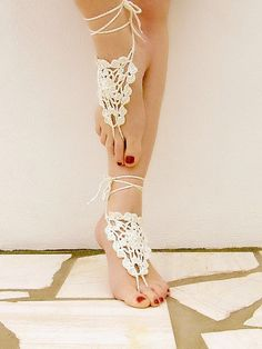 Crochet  barefoot sandals  cream nude shoes wedding by Lasunka, €10.00