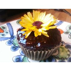 Organic Vegan Chocolate Raspberry Cupcake with edible flowers. #glutenfree #vegan #organic #lillabaci