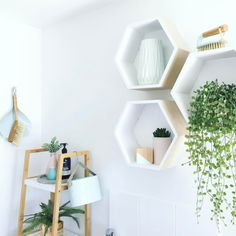 This stylish laundry is bursting with Kmart buys but we just love how Bel has used the Kmart hexagon wall pockets as laundry shelves. See all 20 of our favourite Kmart hacks EVER kmarthack kmarthacks 604045368751328060 Kmart Bathroom, Bathroom Shelves Over Toilet, Bathroom Hacks, Laundry Shelves, Small Shelves, Glass Shelves, Floating Shelves, Hexagon Wall Shelf, Kmart Home