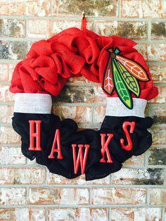 Chicago BlackHawks wreath! Love me some hockey Www.etsy.com/shop/SouthernStylesbyJenn