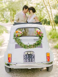 The perfect getaway car! Garden wedding in Florence