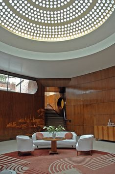 Eltham Palace, Greenwich, London: Stunning Art Deco House and ancient Palace in one! - Tips For Travellers Eltham Palace, Art Deco Stil, Art Deco Home, Interior Architecture, Interior And Exterior, Interior Design, Lee Miller, Carlo Scarpa, Art Nouveau