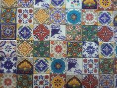 Talavera piastrelle sul muro esterno della casa di piastrelle o