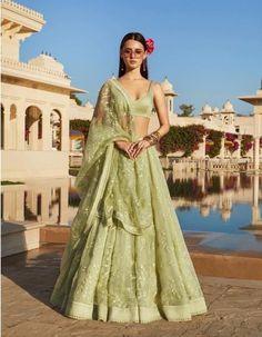 Find top trending and unique Sabyasachi Lehenga Designs for your dream bridal look. Best bridal lehenga designs by Sabyasachi for 2020 weddings. Indian Lehenga, Sabyasachi Lehenga Bridal, Green Lehenga, Ghagra Choli, Pakistani Bridal, Anarkali, Sabyasachi Dresses, Indowestern Lehenga, Victorian Dresses