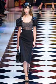 All the Looks From the Dolce & Gabbana Fall 2016 Ready-to-Wear Show