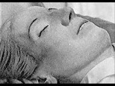Evita's embalmed body - Macabre post mortem odyssey of Eva Perón! - YouTube
