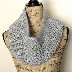 Mesh Lace Cowl by Linda Thach