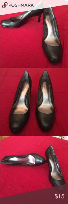 Classic Black Pumps Size 10 Kristin Davis Classic Black Pump - size 10M. Never worn.  Leather upper man made materials.  3 inch heel. From a non smoking home. Kristin Davis Shoes Heels