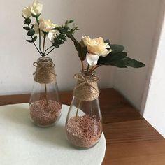 Diy Crafts For Home Decor, Home Decor Hacks, Diy Crafts For Gifts, Bottle Painting, Bottle Art, Bottle Crafts, Country Crafts, Dried Flowers, Fall Decor