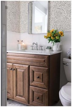 Need to update your bathroom? Check out these twenty one-of-a-kind beautiful farmhouse bathrooms that, we have to admit, we're totally obsessed with.  #ModernFarmhouseInteriors #ModernFarmhouseBathroom #RusticFarmhouse #FarmhouseStairs #ModernFarmhousePlans #FarmhouseIdeas #FarmhouseDesign #BathroomRenos #BathroomInterior Modern Farm Style Bathrooms, Modern Farmhouse Bathroom, Modern Bathroom Decor, Modern Farmhouse Style, Bathroom Layout, Dream Bathrooms, Bathroom Styling, Bathroom Ideas, Bathroom Small