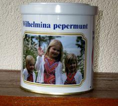de jonge Oranje-generatie op een Wilhelmina pepermunt blik