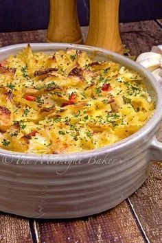 An easy to make Italian flavored chicken casserole that will become a family favorite. Easy to make for a weeknight meal yet so delicious you can serve this as a company dinner! Easy-to-make Casserole Dishes, Casserole Recipes, Pasta Recipes, Cooking Recipes, Dinner Recipes, Dinner Ideas, Cooking Pork, Cleaning Recipes, Meat Recipes
