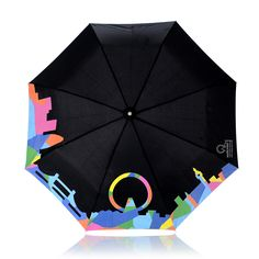 Umbrella changes color when wet!