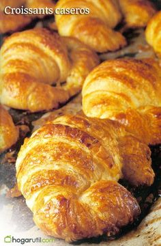 best ever croissants Yummy Recipes, Mexican Food Recipes, Bread Recipes, Sweet Recipes, Dessert Recipes, Cooking Recipes, Yummy Food, Croissant Nutella, Vegan Croissant
