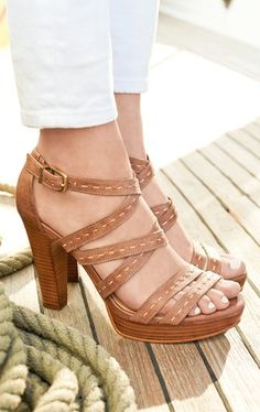 #Ugg strappy sandals http://rstyle.me/n/hhfa5r9te