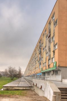 An exceptionally long apartment building in #Warsaw, #Poland.