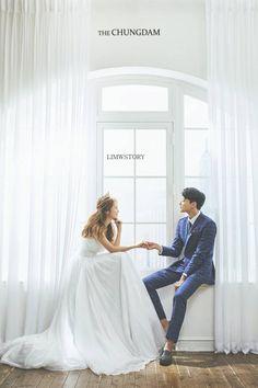 Pre-Wedding photoshoot by Chungdam Studio, wedding photographer in Seoul, Korea. Pre Wedding Poses, Pre Wedding Photoshoot, Wedding Couples, Wedding Shoot, Wedding Bride, Wedding Venues, Wedding Dresses, Korean Wedding Photography, Couple Photography