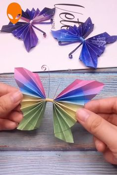 9 Fun & Easy Paper Craft Ideas - Paper Craft Instructions Videos Part 9 Paper Flowers Craft, Paper Crafts Origami, Paper Crafts For Kids, Diy Arts And Crafts, Origami Paper, Flower Crafts, Creative Crafts, Diy Flowers, Diy Paper