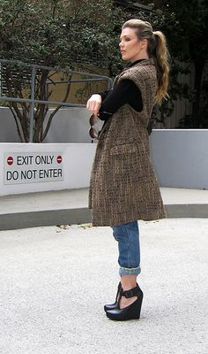 tutorial to convert a thrift store coat into a Michael Kors sleevless coat