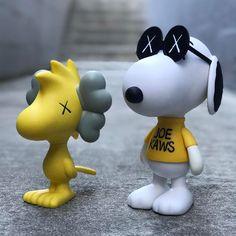 Kaws x Peanuts Iphone Homescreen Wallpaper, Vinyl Toys, Dope Art, Art For Art Sake, Designer Toys, Museum Of Modern Art, Toy Boxes, Marilyn Minter, Art Pictures