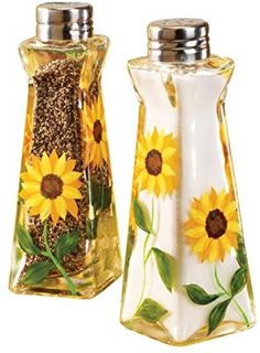 WalterDrake Sunflower Salt And Pepper Shakers: Kitchen & Dining Sunflower Themed Kitchen, Sunflower Kitchen Decor, Sunflower Bathroom, Sunflower Decorations, Sunflower Garden, Sunflower Design, Country Style Curtains, Diy Home Decor, Room Decor