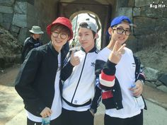 [STARCAST] BTS went on a picnic to Namhansanseong Fortress! BTS' J-HOPE, JIMIN, V visited Namhansanseong Fortress. BTS went.