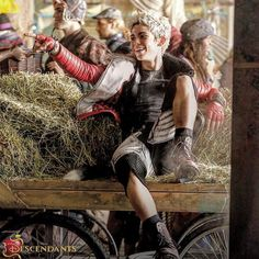 Cameron boyce as Carlos in Disney descendants Carlos Descendants, Cameron Boyce Descendants, Descendants Wicked World, Descendants Cast, Disney Channel Movies, Disney Channel Stars, Disney Movies, Disney Villains, Disney Xd