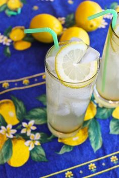 A delectable Limoncello Gin Cocktail made with gin and club soda #cocktailrecipe