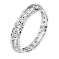 Beautiful Dora diamond ring consisting of 29 perfectly set stones to match with your engagement ring.