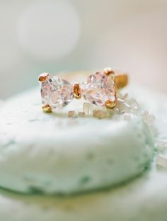 Bow Diamond Gold Ringnwt
