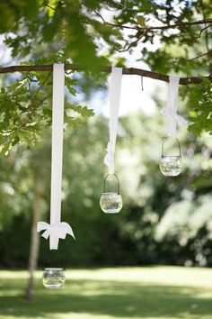 simple but chic hanging wedding decor