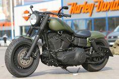 "Harley Davidson Dyna Custom Fat Bob ""Military"" by Thunderbike Harley Davidson Iron 883, Harley Davidson Street Glide, Harley Davidson Road King, Harley Davidson Tattoos, Harley Davidson Knucklehead, Classic Harley Davidson, Harley Davidson Motorcycles, Vintage Harley Davidson, Motos Harley"