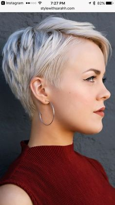 60 Stunning Pixie Haircut Ideas for This New Season Stylish Pixie Haircut; Super Muy Corto Pixie Cortes de pelo Y Colores de Pelo para Short Grey Hair, Short Hair Cuts For Women, Short Cuts, Grey Pixie Hair, Funky Short Hair, Bob Cuts, Short Blonde, Popular Hairstyles, Cool Hairstyles