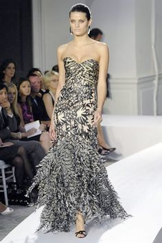 See the complete Oscar de la Renta Spring 2008 Ready-to-Wear collection.