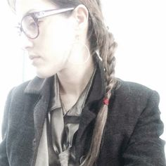 con cravatta by  Martina Perruzza Personal Taste, March 2014, Button, Blouse, Hair Styles, Beauty, Hair Plait Styles, Hair Makeup, Blouses