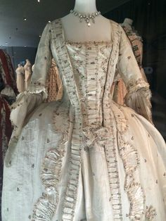 c1770s gown Fashion Museum, Bath
