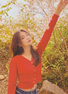 Twice-Tzuyu CeCi Korea 2018 May Issue