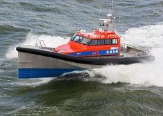 Reddingboot Nh1816 - Foto Flying Focus - Op oefenbezoek in Breskens.
