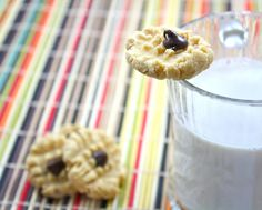 Hi. I'm coconut flour. I'm good at making all things cookie. Cookie dough, anyone? How about peanut butter cookie dough? I'm delicious. I'm sweet, nutty, and I absorb all th…