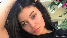 Kylie Jenner Struggling With 25 Lb Weight Gain During Pregnancy: Living On 'Pasta, Pizza & Ice Cream'