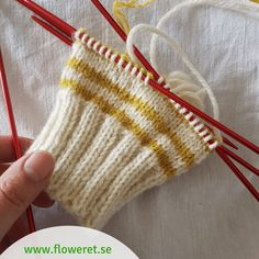 Sticka sockor på enklaste sätt - Floweret Knitted Socks Free Pattern, Baby Knitting Patterns, Knitting Socks, Knitted Hats, Stick O, Textiles, Fingerless Gloves, Arm Warmers, Knit Crochet