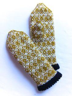 Honey Tapestry Mittens